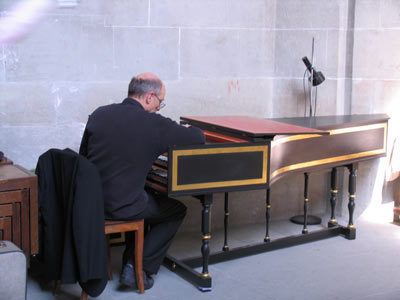 Imágenes de Suiza: 'Afinando el clavicordio' (Berna)